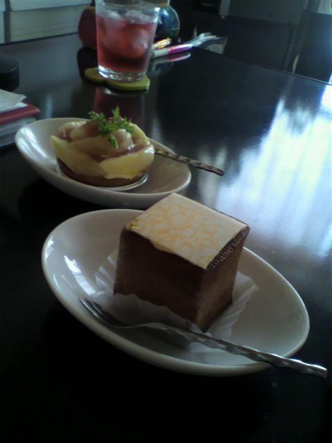 四角いシュークリーム